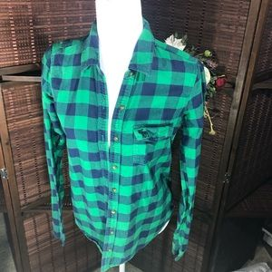 Abercrombie & Fitch Tops - A&F button down plaid shirt